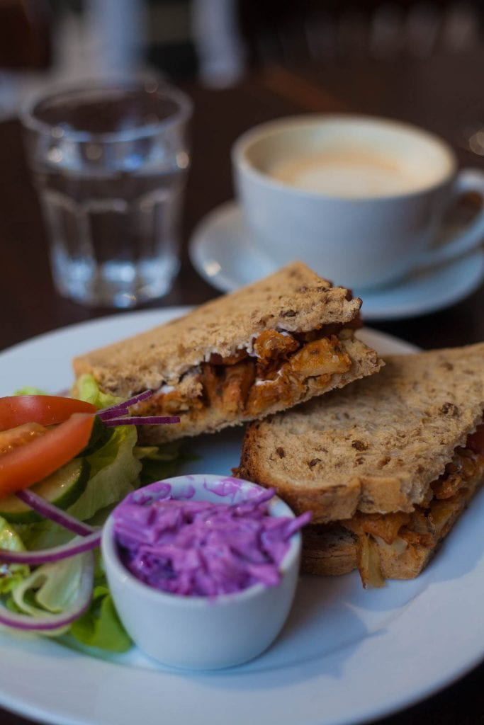 Do you love a good brunch? Then Glasgow is the right city for you and these six gorgeous places for vegan breakfast in Glasgow will water your mouth!
