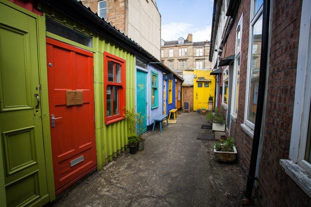 The Hidden Lane Glasgow is a secret spot in the trendy neighbourhood of Finnieston. Every Saturday local artists open their studio doors - so, go meet them!