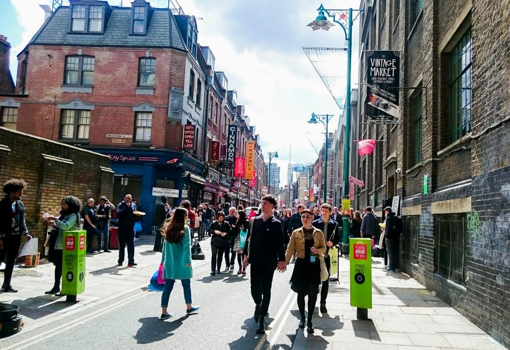 London on a Budget: 48h City Guide: Brick Lane Market | Watch Me See