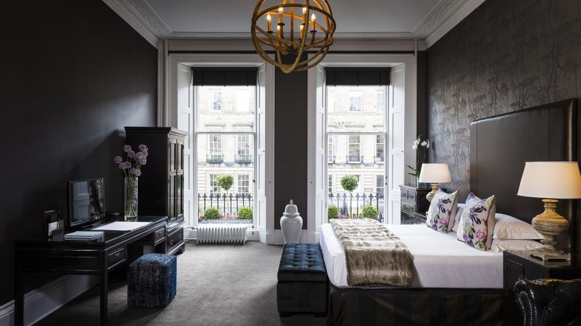 There is no shortage of hotels in Edinburgh - but which are good value for money? Here are my favourite accommodation options in Edinburgh on any budget.