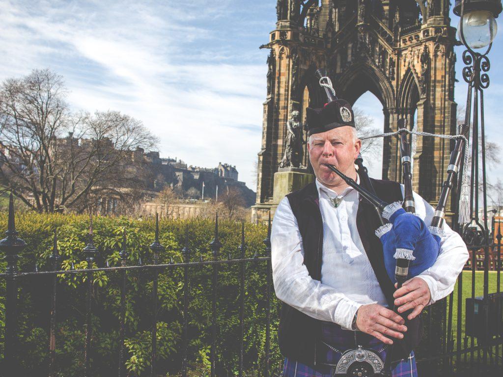 City Guide & Video: A Weekend in Edinburgh | WatchMeSee.com