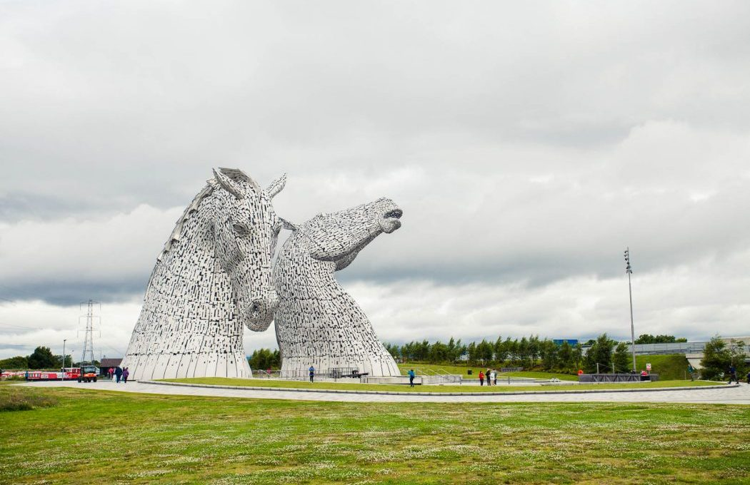 The Kelpies are a hidden gem nestled between Glasgow and Edinburgh. Thanks to Rabbie's Kelpies tour I finally got to tick them off my Scotland bucket list!